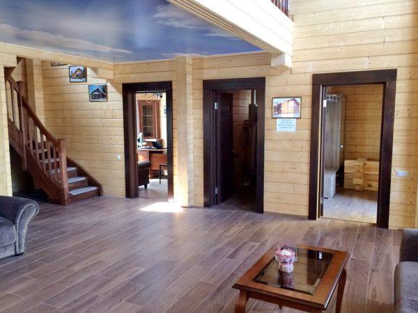 Гостинная в доме из бруса Адриатика