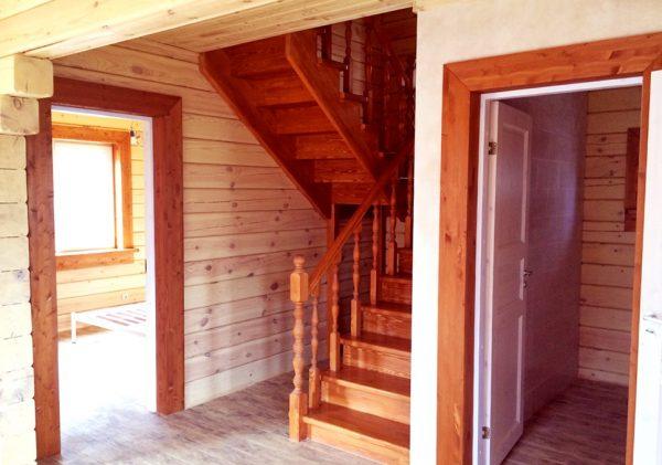 Удобная лестница с легким подъемом