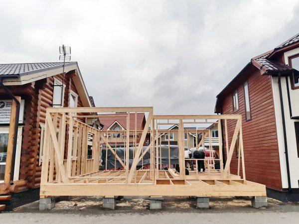 Так строят каркасный дом на выставке Синдика в Строгино