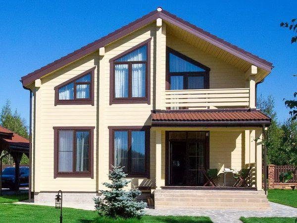 Дом из клееного бруса от компании СК-Энтазис на выставке в Строгино